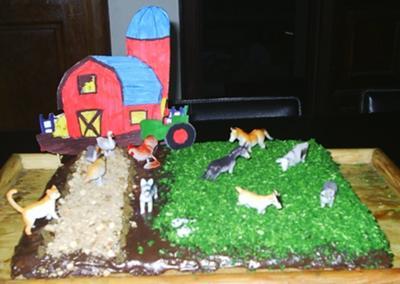 farmyard-birthday-cake-21321689.jpg