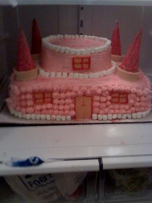 first-castle-cake-21349975.jpg