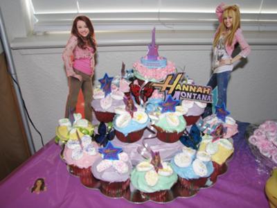 Enjoyable Hannah Montana Cake With Cupcakes Birthday Cards Printable Inklcafe Filternl