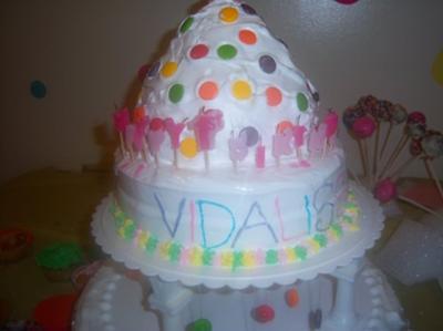 homemade-barbie-polka-dot-dominican-cake-21370664.jpg