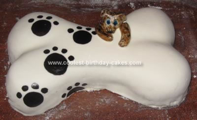homemade-dog-bone-cake-21330819.jpg