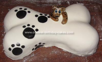 homemade-dog-bone-cake-21330819.jpg