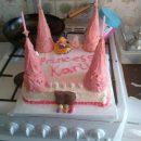 homemade-princess-castle-cake-21678716.jpg