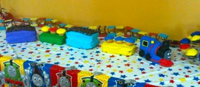 homemade-thomas-the-train-birthday-cake-21454688.jpg