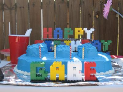 lego-cake-21353410.jpg