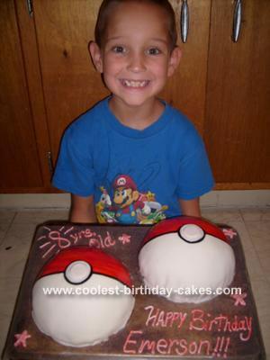 Pokemon Ball Cake