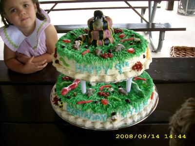 snakes-bugs-and-frogs-cake-21340742.jpg