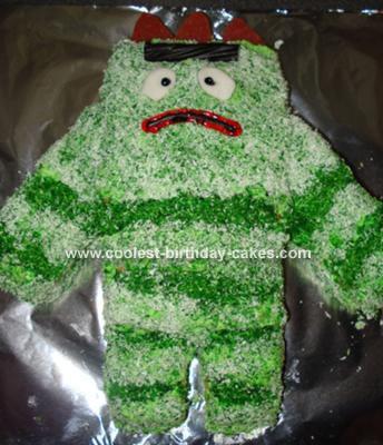 Here's a Brobee Cake from Yo Gabba Gabba