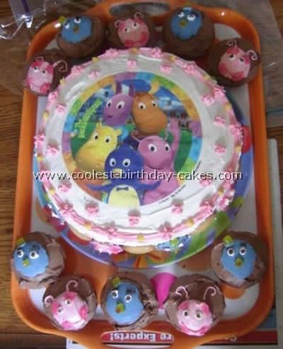 Backyardigans Cake