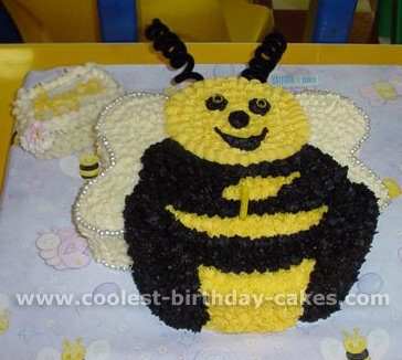 Fabulous Coolest Bumble Bee Cakes And How To Tips Funny Birthday Cards Online Inifofree Goldxyz