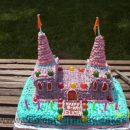 Coolest Castle Cake Photos and How-To Tips