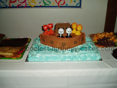My Sons Name Is Noah So For His 1st Birthday Party Theme Was Noahs Ark I Called Around To Different Bakeries Child Cakes