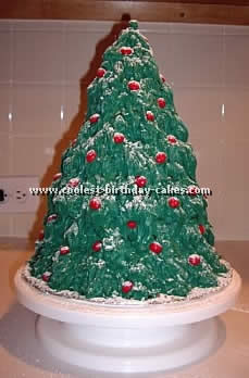 Coolest Tree-Shaped Christmas Cakes and How-To Tips