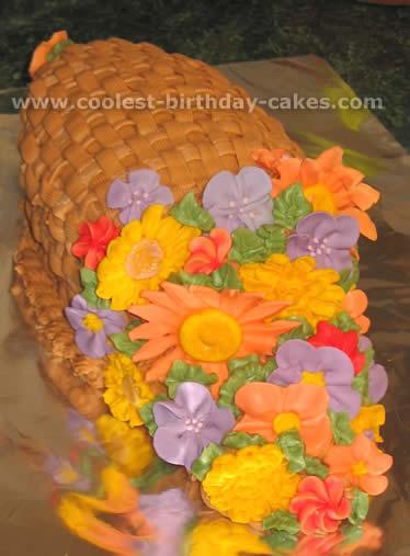 Coolest Cornucopia Cake Ideas, Photos and How-To Tips