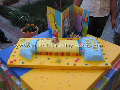 Wondrous 11 Creative Cake Ideas For A First Birthday Party Funny Birthday Cards Online Alyptdamsfinfo