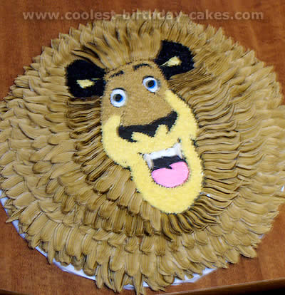 Alex the Lion Madagascar Animal Cake Photo