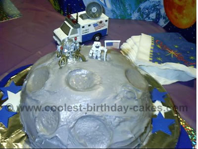 Wondrous Coolest Moon Cake Ideas And Photos Personalised Birthday Cards Veneteletsinfo