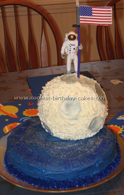 Sensational Coolest Moon Cake Ideas And Photos Personalised Birthday Cards Paralily Jamesorg