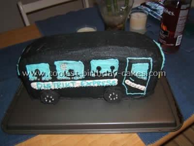 school-bus-cake-05.jpg