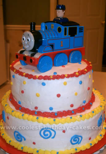 Amazing Coolest Thomas The Train Cake Photos And Ideas Funny Birthday Cards Online Elaedamsfinfo