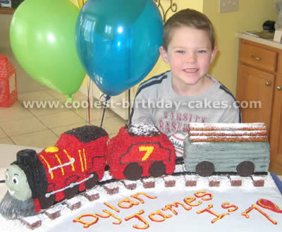 Pleasant Coolest Thomas The Train Cake Photos And Ideas Funny Birthday Cards Online Elaedamsfinfo