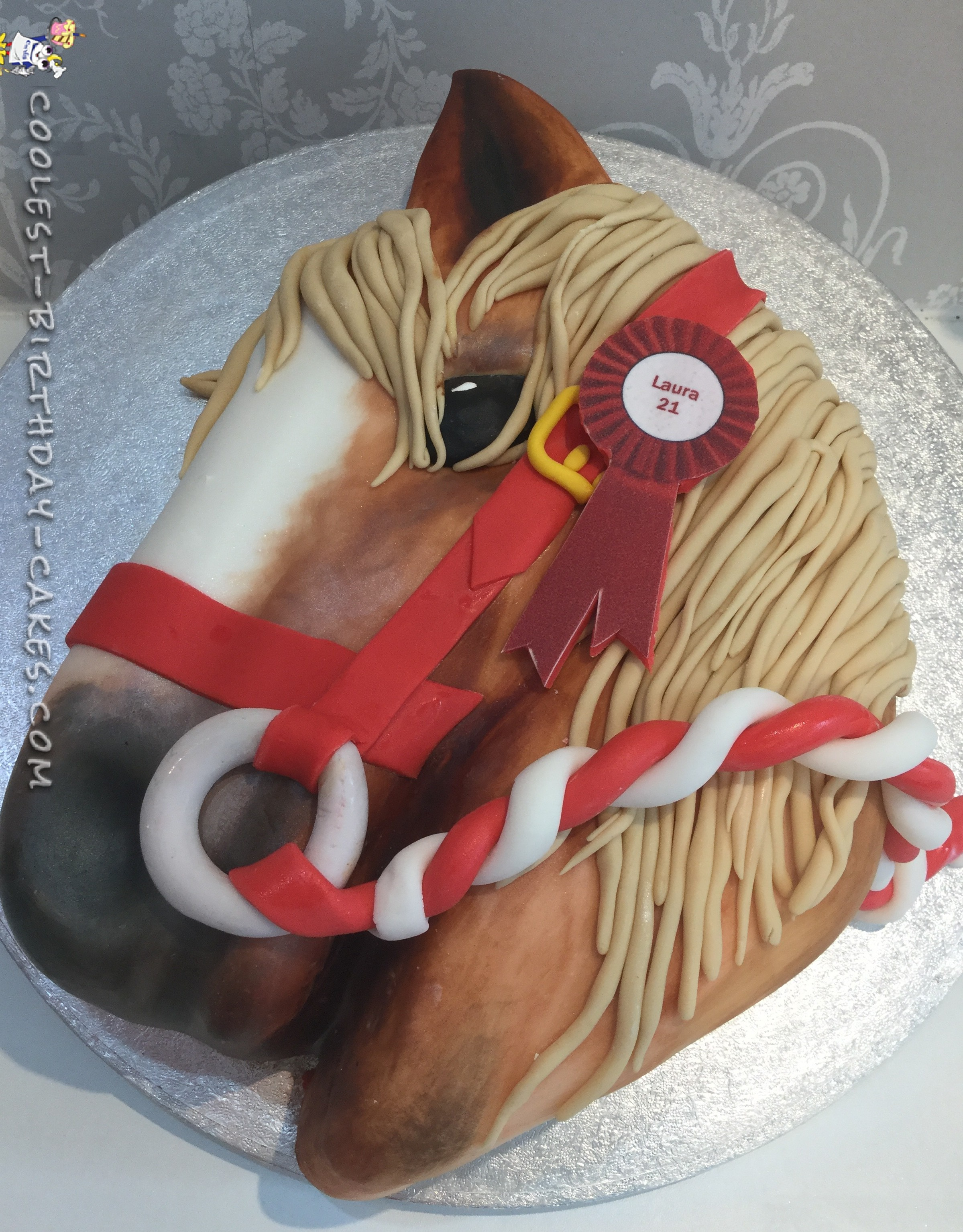 Beautiful pony head cake