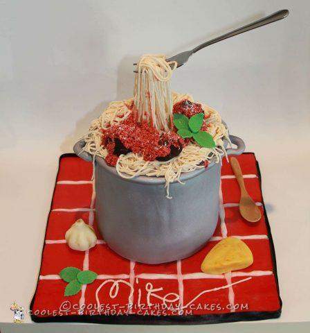 Spaghetti and meatballs Italian themed cake
