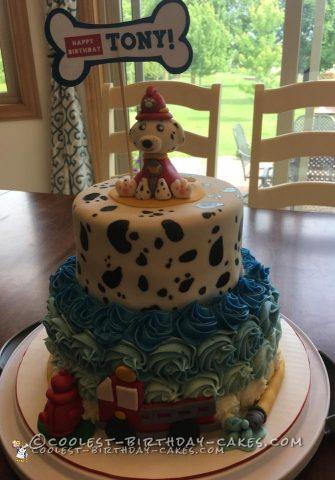 Awesome Homemade Dalmatian Fire Truck Cake