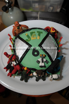 Cool Homemade Ben 10 Cake with Fondant Characters