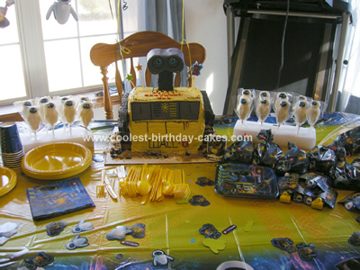 Coolest Wall E Cake