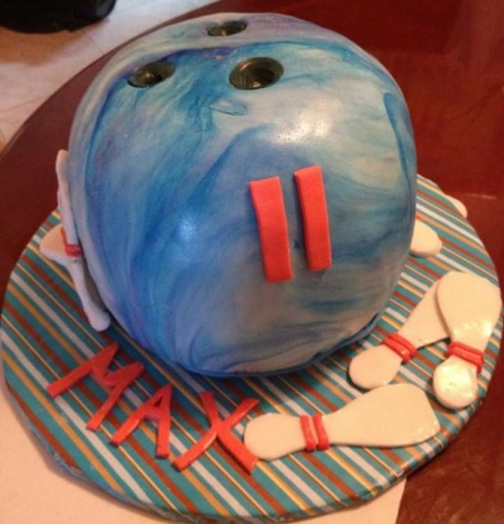 Last Minute Bowling Ball Cake