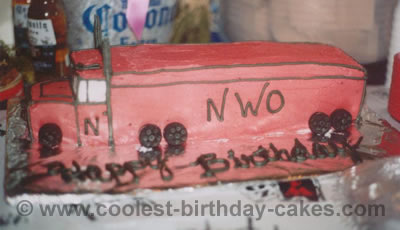 Semi-Trailer Cake Photo